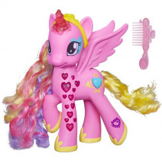 Ponei My Little Pony Glowing Hearts - Printesa Cadance - Figurina Povesti Hasbro