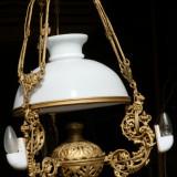 Lampa din fonta veche de tavan, dimensiuni mari
