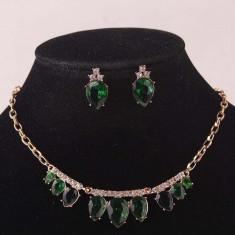 Set Swarovski - Set de bijuterii placat Aur, Green Cristale Swarovski cod 716
