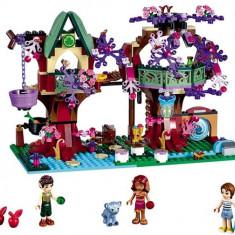 Ascunzisul Din Copac Al Elfilor (41075) - LEGO Friends