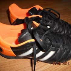Ghete fotbal Adidas, Copii, Teren sintetic - Adidasi de footbal pentru teren sintetic marca ADIDAS