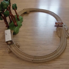 Set THOMAS Trackmasters Whistling Woods - Trenulet de jucarie Thomas and Friends