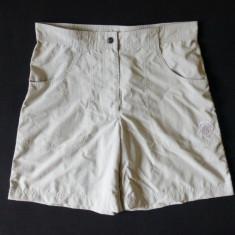Pantaloni scurti Mammut; marime 40, vezi dimensiuni exacte; impecabili, ca noi, Culoare: Din imagine
