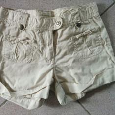 Haine Copii 10 - 12 ani, Pantaloni, Fete - Pantaloni scurti pentru fetite, 10-12 ani, marca Vertbaudet, ideali vara, modern