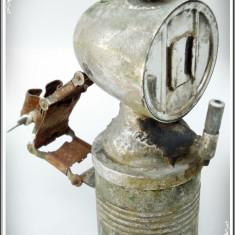 LAMPĂ DE BICICLETĂ PE CARBID, VECHE, REALIZATĂ DIN ALAMĂ NICHELATĂ, 400 GRAME! - Metal/Fonta