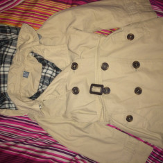 Trench Zara, purtat de 2 ori, pt. 4-5 ani (merge pana la 6 ani), Culoare: Crem, Fete