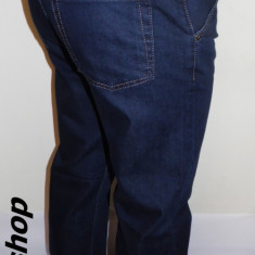 Blugi LOUIS VUITTON - Model NOU de Sezon - Clasic !!! - Blugi barbati Louis Vuitton, Marime: 32, 33, 36, 38, Culoare: Bleumarin, Lungi, Drepti, Normal