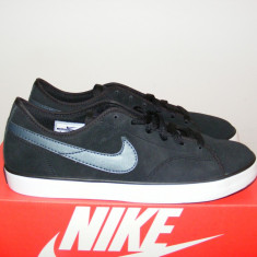 Tenisi Nike Primo Mens Leather Court Shoes nr. 40 si 41 - Tenisi barbati Nike, Piele intoarsa