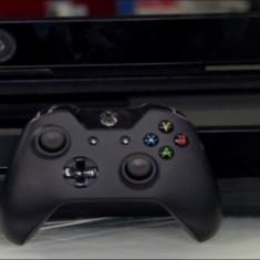 Xbox One Microsoft + Kinect + 3 manete + 4 jocuri ( GTA5, PES2015, Assassin