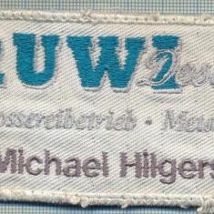 215 -EMBLEMA - RUWI DESIGN -MICHAEL HILGERS -starea care se vede