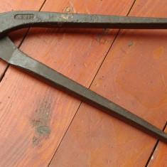 Metal/Fonta - Scule / unelte ---- cleste vechi pentru sarma sau alte lucruri asemanatoare !!!