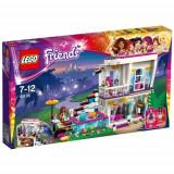 Friends - Casa Vedetei Pop Livi