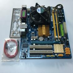 KIT LGA 775 Gigabyte Ga-G31m-Es2c + E7400 2.8 Ghz + Cooler + Ram 4GB DDR2 - Placa de Baza Gigabyte, Pentru INTEL, Contine procesor, MicroATX