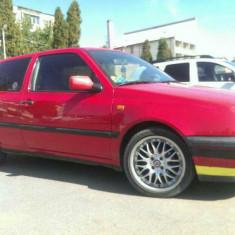Volkswagen Golf - Autoturism Volkswagen, An Fabricatie: 1993, Benzina, 300000 km, 1789 cmc