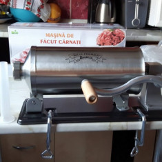 Masina de Tocat Carne - Carnatar presa de 4 kg