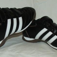 Adidasi fotbal ADIDAS - nr 36 - Ghete fotbal Adidas, Culoare: Din imagine