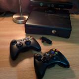 Consolă Xbox 360 Microsoft 320 GB, senzor Kinect si 2 controllere