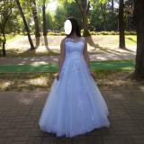 Rochie de mireasa printesa - Vand rochie de mireasa tip printesa cu voal si cerc
