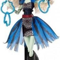 Papusa Monster High Freak Du Chic Frankie