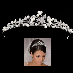 Diadema coronita tiara mireasa cu perle si flori