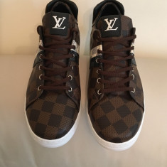 Pantofi sport(adidasi, teniși) Louis Vuitton - Adidasi barbati Louis Vuitton, Marime: 40, 41, 42, 43, Culoare: Maro, Piele sintetica