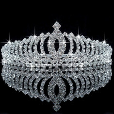 Diadema / coronita / tiara cu cristale tip Swarovski mireasa / printesa