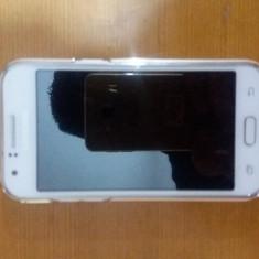 Samsung Galaxy J1 + folie sticla + husa spate Gold - Telefon Samsung, Alb, Vodafone, Single SIM